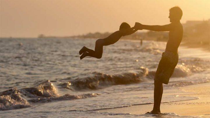 ¿Debo pagar la pensión de alimentos en vacaciones si mi hijo se encuentra conmigo?